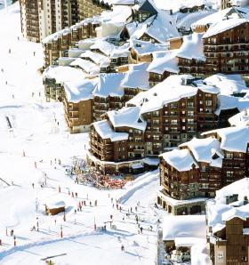 法国阿尔卑斯托朗谷滑雪